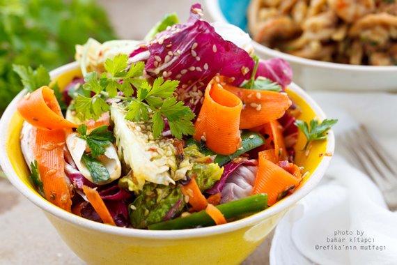 Katır Kutur Salata Tarifi